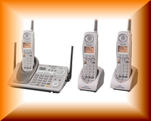 Panasonic 5.8 GHz FHSS DSS GigaRange Supreme Expandable Digital Cordless Phone System with Talking Caller ID and Digital Answering System (KX-TG5240M + 2 KX-TGA520M))
