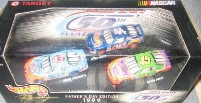 Target Nascar 1999 Hot Wheels Racing Fathers Day Edition Series 2 Petty Racing 50th Anniversary Set