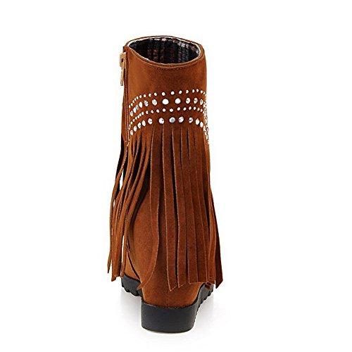 AllhqFashion Damen Hoher Absatz Niedrig-Spitze Eingelegt Reißverschluss Stiefel mit Fransig Braun