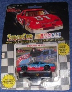 1991 NASCAR Racing Champions . . . Richard Petty #43 STP 1/64 Diecast . . . Includes Collectors Card and Display Stand - Richard Petty Nascar