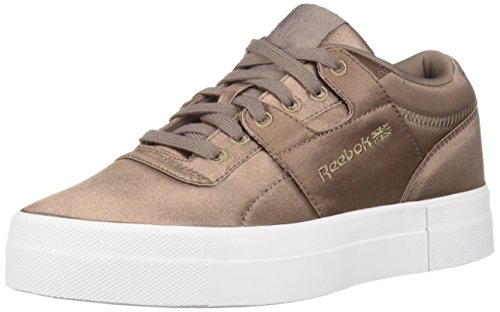 (Reebok Women's Workout Low Cross Trainer, Satin-Sandy Taupe/White, 8.5 M US)