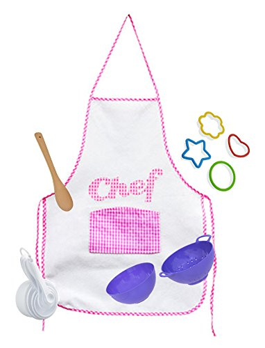 Girls Chef Set this Girls Baking Set includes Cookie Cutters, Measuring Cups, Colander and Bowl (Color Varies) and Spoon (Spoon Varies) bundled with Pink Felt Apron! Perfect baking kitchen set for kid