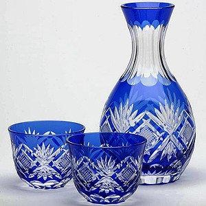 Japanese Edo-Kiriko (Cut Glass) Set of Tokkuri(Liquor bottle) & 2 Guinomi(Sake Cups), Hishi-nanako Pattern by KIMOTO GLASSWARE