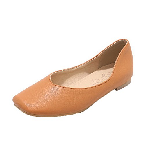 VogueZone009 Women's Pull-On Low-Heels PU Solid Closed-Toe Pumps-Shoes Lightbrown 4gRc6xo