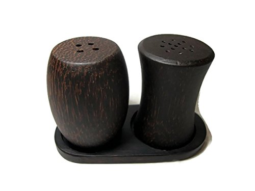 hawaiian salt and pepper shakers - 6