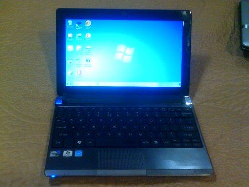"Gateway LT2104u Atom N450 1.66GHz 1GB 250GB 10.1"" LED-Backlit Netbook Windows 7 Starter w/Webcam & 6-Cell Battery"