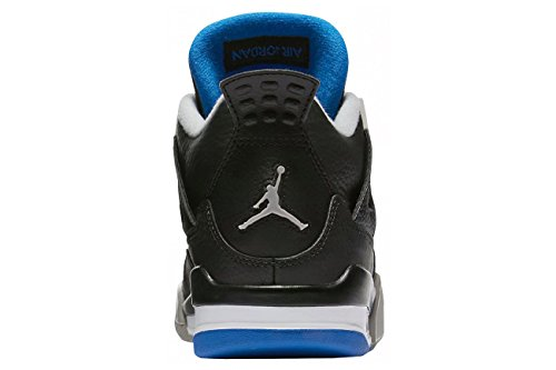 Nike Air Jordan Männer 4 Retro Basketballschuh Schwarz / Soar / Matt Silber