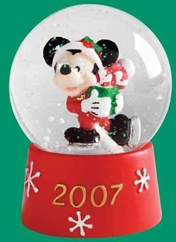 JcPenney Disney Mickey Mouse Christmas Snow Globe Waterglobe 2007 - Mickey Mouse Snowglobe