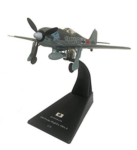 Focke-Wulf Fw 190A-8 diecast 1:72 aircraft model (Amercom SL-42)