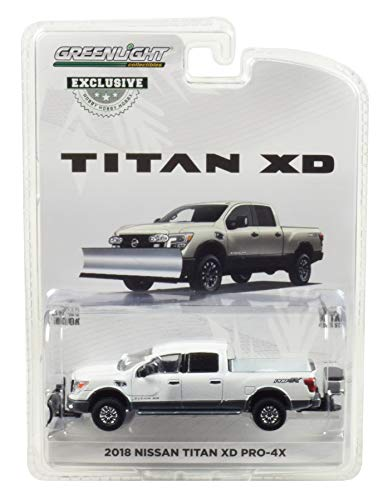 2018 Nissan Titan XD Pro-4X Pickup Truck with Snow Plow and Salt Spreader Metallic White Hobby Exclusive 1/64 Diecast Model Car by Greenlight 30021 ()