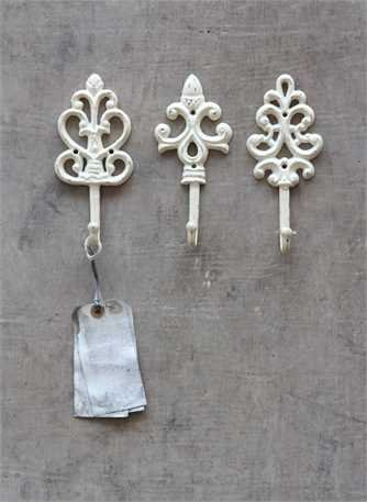 shabby cottage chic cast iron wall hooks set of 3 import it all. Black Bedroom Furniture Sets. Home Design Ideas