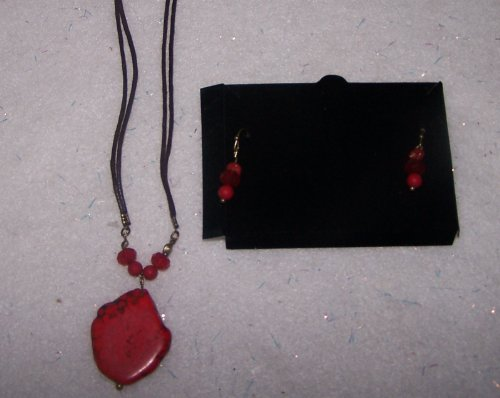- Avon Natural Elements Necklace and Earring Gift Set - Red