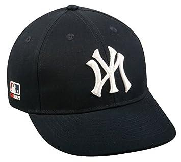 New York Yankees MLB Baseball Cap  Amazon.co.uk  Sports   Outdoors 5b61d5335c3