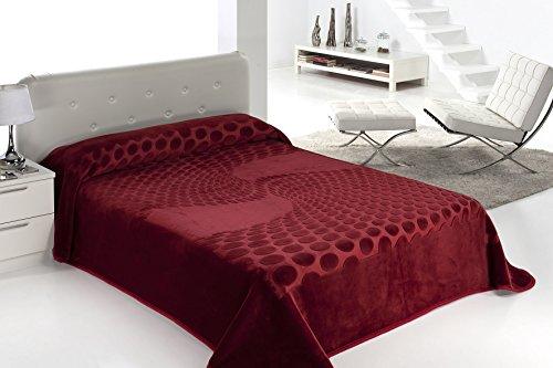 European - Made in Spain warm blanket Serena 220x240 Burdeos Color 1 PLY by MORA Blankets