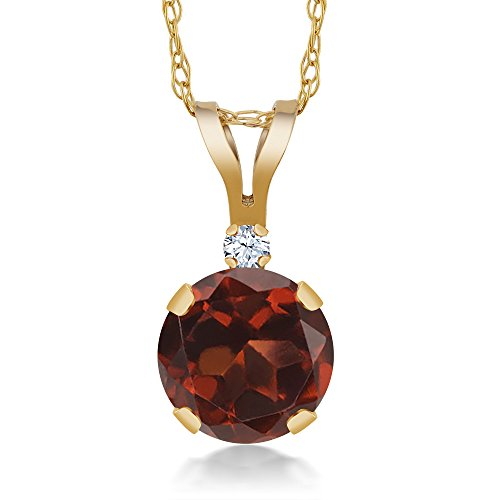 Gem Stone King 1.02 Ct Round Red Garnet White Created Sapphire 14K Yellow Gold Pendant ()