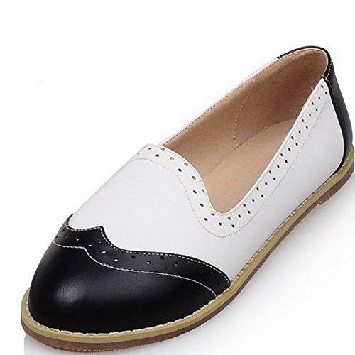 AllhqFashion Damen Weiches Material Rund Zehe Niedriger Absatz Ziehen auf Flache Schuhe Schwarz