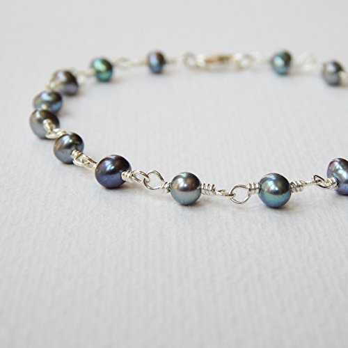 Peacock Gray Cultured Freshwater Pearl Bracelet in Sterling Silver ()