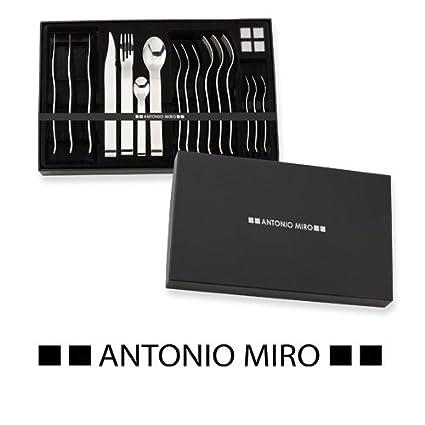Cubertería acero inox Antonio Miró, 16 piezas.