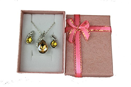 Austria Crystal Necklace Earring Jewelry Set with Rhinestones on an 18 Inch necklace and Matching Earrings (Gold)