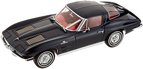- 1963 Corvette Coupe Split Window Coupe in Daytona Blue Diecast Model in 1:18 Scale by AUTOart