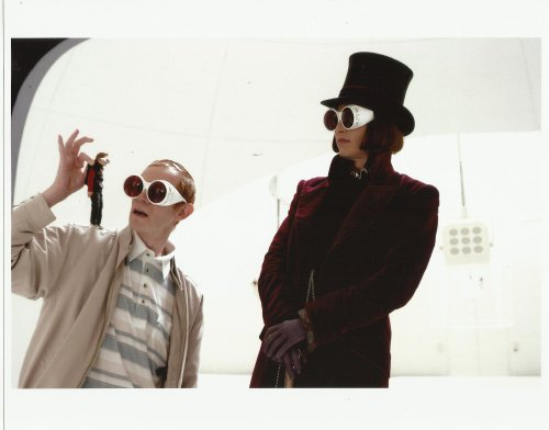 Charlie and The Chocolate Factory 8 x 10 Photo Johnny Depp with minature Jordan Fry & father