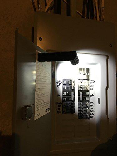 UPC 899581002660, Blackfire BBM980G Twist Tactical 250 lm LED Flashlight Giftbox