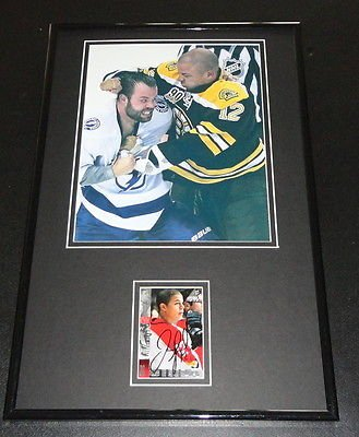 - Jarome Iginla FIGHT Signed Framed 11x17 Photo Display Bruins