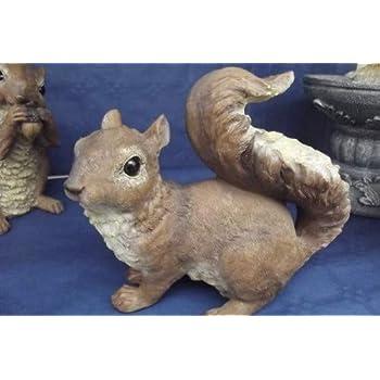 Design Toscano QM188731 Chomper The Woodland Squirrel Outdoor Garden Statue, 7 Inch, multicolored