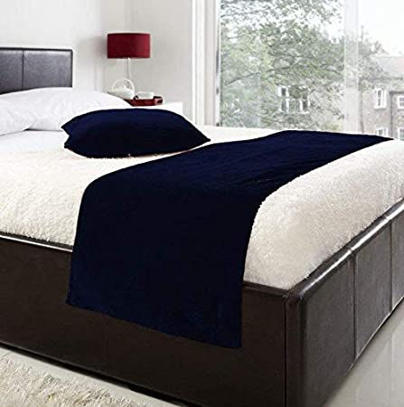 king_stoe01 Luxury Velvet Bed Runner/Scarf / Throw with 2 Cushion Covers 18 for All Bed Sizes Christmas Halloween Bedding Home Décor, Twin/Twin XL, Black