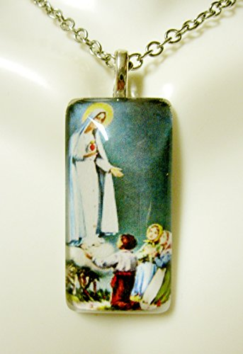 Our Lady of Fatima glass pendant - GP12-611 ()