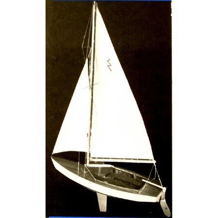 Radio Controlled Sailboat (Lightning Sailboat, 19