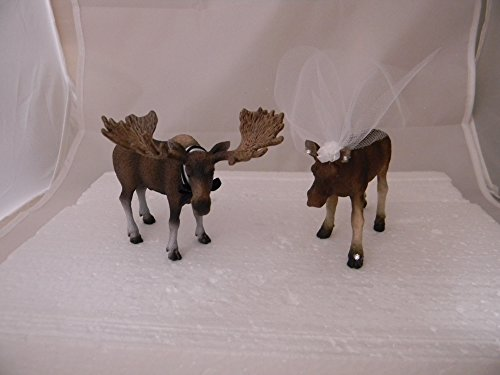 Wedding Reception Party Bride Groom Moose Hunting Cake Topper ()