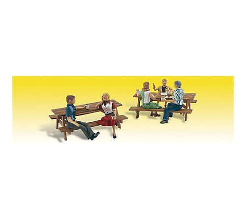 Outdoor Dining HO Scale Woodland Scenics 5 Figures /& 2 Picnic Tables