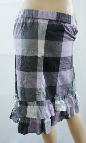 Lado Morado y gris diseño de cuadros de botón de falda