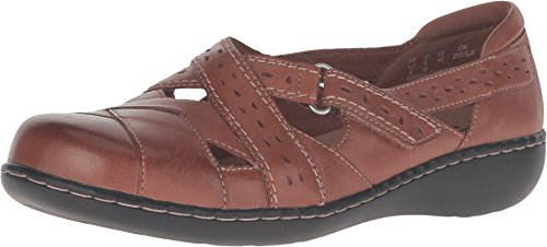 CLARKS Women's Ashland Spin Q Slip-On Loafer, Tan, 8.5 M US -