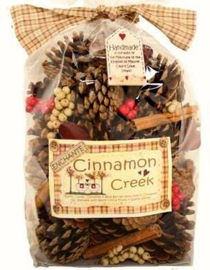 Christmas pack of Cinnamon Creek Large Cones And Pods Scented Bag 500g TUKSUMDUIN