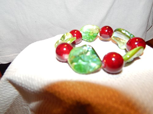 Shell Stretchable Bracelet (Red Round beads; Green Shell-like Beads; Stretchable Bracelet)