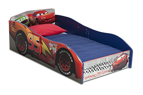 Amazon.com : Delta Children Wood Toddler Bed, Disney/Pixar Cars ...