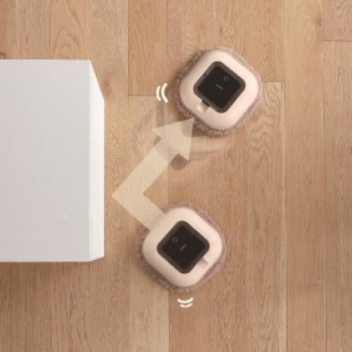 Robot Nhật Bản thông minh lau nhà tự động