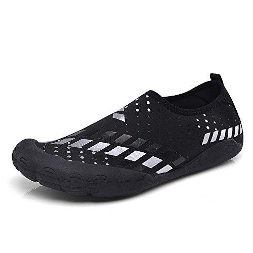 MoreDays Quick Dry Barfuß Handschuh Herren Wasserschuhe Zehenschutz Aqua Socken mit Drainage-Löchern für Beach Swim Weiß schwarz
