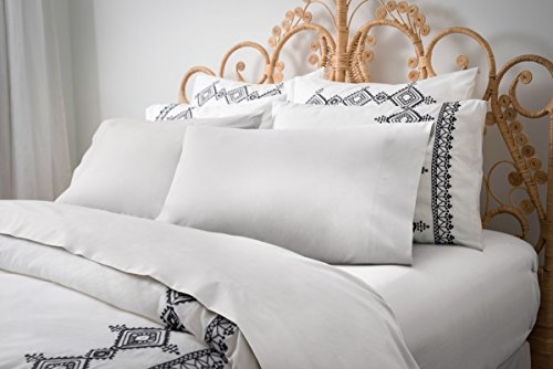 (Magnolia Organics Percale Collection Pillowcase Pair - Standard, White)