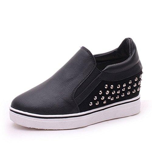 Zapatos de suela gruesos de remaches de resorte/Aumentó con zapatos casuales bajo cabeza redondeos A