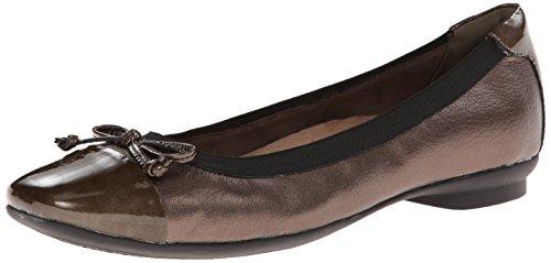 CLARKS Women's Candra Glow Flat, Bronze Leather, 7.5 M - Bronze Leather Footwear