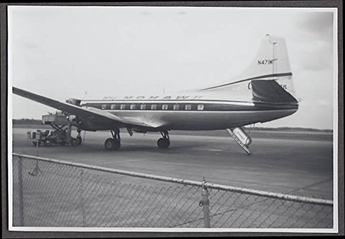 Mohawk Airlines Marton 404 N471M loading airliner - Mohawk Airlines