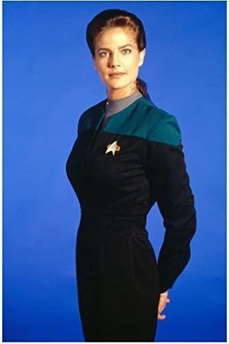 Terry Farrell Posing As Lt Commander Dax In Star Trek Deep Space