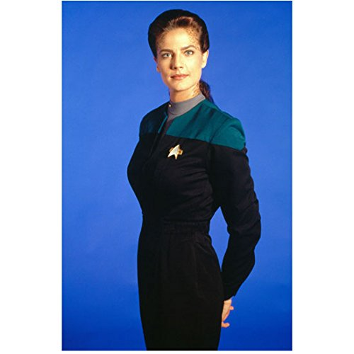 Terry Farrell Posing as Lt. Commander Dax in Star Trek Deep Space Nine 8 x 10 Inch Photo