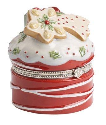 - Villeroy & Boch Winter Bakery Decoration Treat Cake