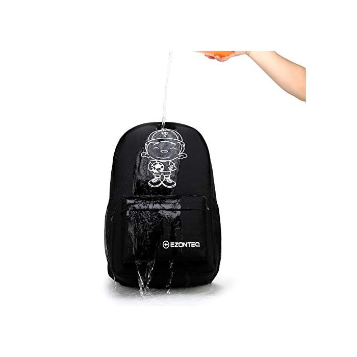 419ay5sn4cL Una mochila perfecta para la escuela y el ocio. Hecha de tejido de poliéster y con una estructura resistente, esta mochila se compone de un bolsillo grande perfecto para llevar libros y ropa, y un bolsillo más pequeño en la parte delantera donde colocar lápices de dibujo, pañuelos y más. La tela impermeable, así que no te preocupes si la lluvia se moja, no tienes que preocuparte por la lluvia que se moja en tu bolsa. La parte de la bisagra no es impermeable pero tiene una cubierta impermeable. Lo primero de todo es que una tela súper ponible y de buena calidad no se echa a perder fácilmente. No voluminoso, incluso si es capaz de contener todo lo necesario para la escuela. Lo hace indispensable para todas las actividades, incluso las extracurriculares.