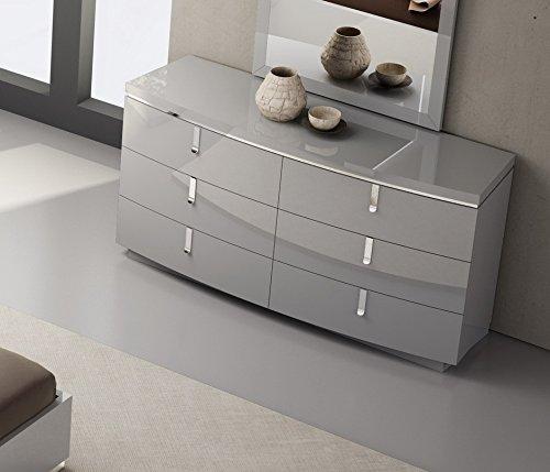 J and M Furniture 18215-D New York Dresser
