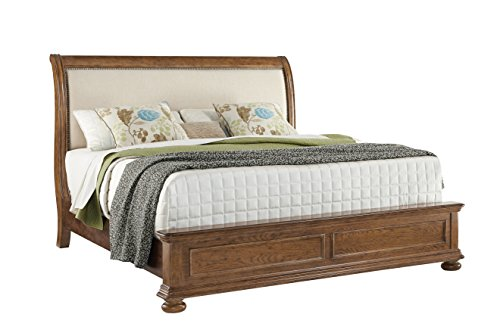 Pulaski Paxton Upholstered Bed  California King
